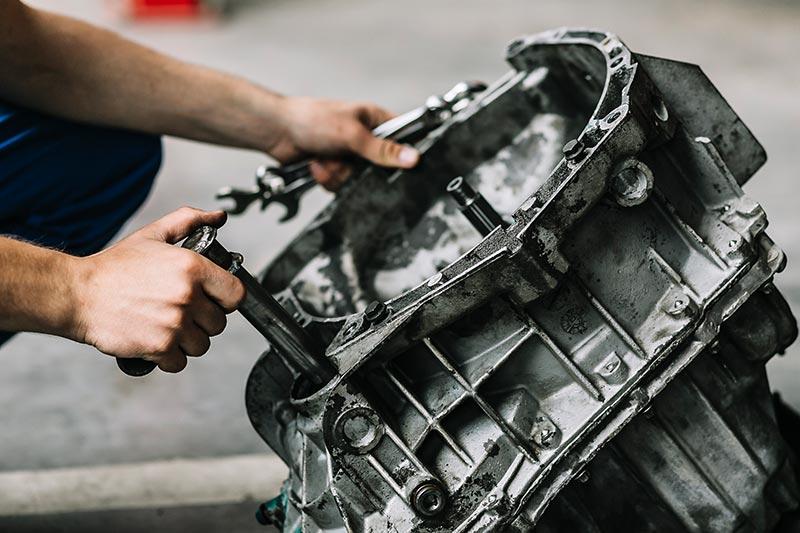 Auto-Reparatur-Motorblock